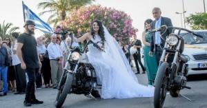 Πήγε στον γάμο της στην Κρήτη με μηχανές Ηarley Davidson (φωτο)