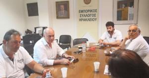 Συνάντηση Αλιφιεράκη - Κουμαντάκη στον Εμπορικό Σύλλογο Ηρακλείου