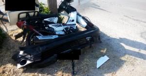 Σοβαρό τροχαίο μετά από σύγκρουση αυτοκινήτου με μηχανάκι στο Καστέλι