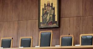 Οι εισαγγελείς προειδοποιούν για μαζικές παραγραφές και αποφυλακίσεις