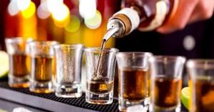 Aπίστευτο: Αποβολή 18 μαθητών στην Ιεράπετρα λόγω κατάποσης αλκοόλ εντός σχολείου!
