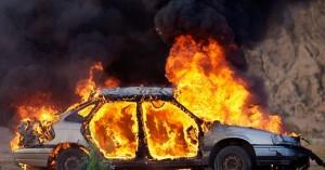 Πήρε φωτιά το αυτοκίνητο στο κέντρο του Ηρακλείου