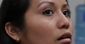 Η ιστορία της γυναίκας που γέννησε νεκρό μωρό, καταδικάστηκε για άμβλωση και φυλακίστηκε