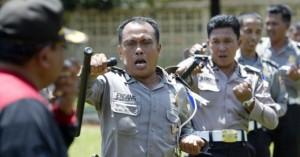 Σε πρόγραμμα μείωσης βάρους αστυνομικοί στην Ινδονησία