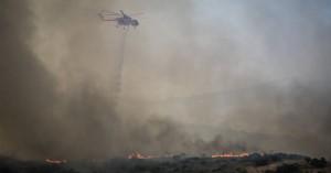 Μεγάλη κινητοποίηση για πυρκαγιά στο Μύρτο Ιεράπετρας (φωτο)
