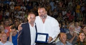 Για την προσφορά του στους πληγέντες στο Μάτι βραβεύτηκε ο Μάριος Ηλιόπουλος