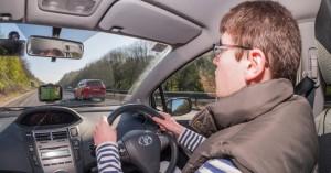Οι Βρετανοί νέοι οδηγοί δεν θα μπορούν να οδηγούν νύχτα