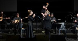 Η ορχήστρα Βασίλης Τσιτσάνης στα Χανιά με τη Δ. Γαλάνη και τη Ν. Μποφίλιου