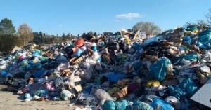 Η Ινδονησία επιστρέφει στην Αυστραλία 210 τόνους σκουπιδιών