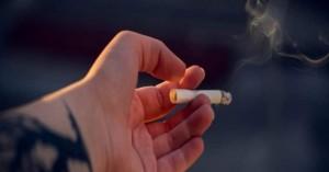 Τα «τσουχτερά» πρόστιμα στους καπνίζοντες σε λεωφορεία και ταξί και σε ΙΧ με παιδιά!