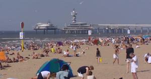 Brexit: Οι Ολλανδοί αποχαιρετούν τη Βρετανία με... γλέντι στην παραλία