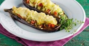 Γεμιστές μελιτζάνες με λαχανικά και πουρέ πατάτας