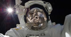 Ρώσος κοσμοναύτης ζητά να οπλοφορεί στο… διάστημα