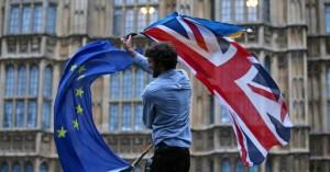 Συνεχίζονται οι διαβουλεύσεις για το Brexit, ο Μπαρνιέ ενημερώνει σήμερα τους υπουργούς