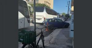 Στη Ρεγγίνα χώρος στάθμευσης για τα λεωφορεία - Μποτιλιάρισμα σήμερα στην Κύπρου (βίντεο)