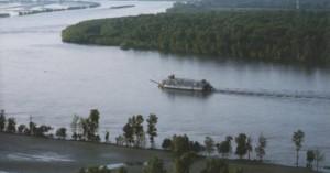 Κονγκό: Τουλάχιστον 36 αγνοούμενοι από τη βύθιση πλοιαρίου σε ποταμό