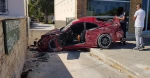 Φοβερό τροχαίο στην Αρτέμιδα: Σοβαρά τραυματίας ο οδηγός