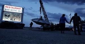Οι ενθουσιώδεις «κυνηγοί» εξωγήινων και το «προσκύνημα» στην Area 51