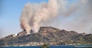 Ζάκυνθος: Εκκενώθηκαν δύο χωριά και ξενοδοχείο λόγω της πυρκαγιάς