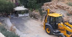 Εργασίες καθαρισμού των οδών γύρω από τον Επιπρομαχώνα του Αγίου Δημητρίου (φωτο)