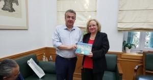 Συνάντηση Περιφερειάρχη με την Πρέσβειρα της Κούβας