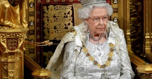 «Brexit στις 31 Οκτωβρίου» ξεκαθάρισε η βασίλισσα Ελισάβετ