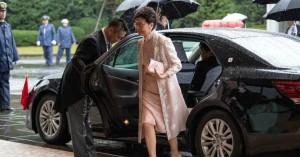 Το Πεκίνο θέλει να αντικαταστήσει την επικεφαλής της κυβέρνησης του Χονγκ Κονγκ