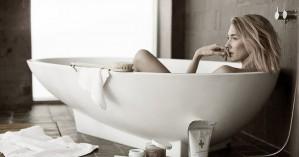Γιατί πρέπει να βάζουμε λάδι σώματος πριν το μπάνιο;