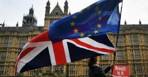 Brexit:Οι Βρυξέλλες θα δώσουν παράταση,η Γαλλία λέει ότι δεν συμφέρει κανέναν άλλη αναβολή