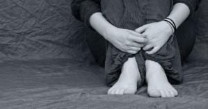 Νταντά 28 ετών βίασε επανειλημμένα 11χρονο και έκανε παιδί μαζί του