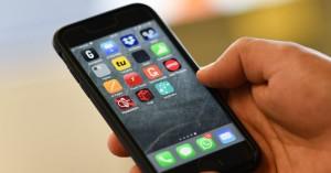 Ρώσος μήνυσε την Apple γιατί υποστηρίζει ότι μια εφαρμογή σε iPhone τον έκανε... γκέι!