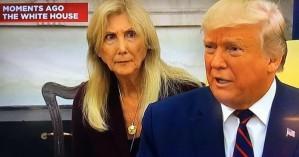 Όλη η Αμερική μιλάει για την γυναίκα που μετέφραζε τον Τραμπ στα Ιταλικά (βίντεο)