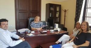Εθιμοτυπική συνάντηση Κοζυράκη - Συριγωνάκη