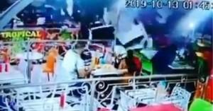 Τρομακτικό βίντεο: Μεθυσμένος οδηγός διαλύει εστιατόριο γεμάτο πελάτες