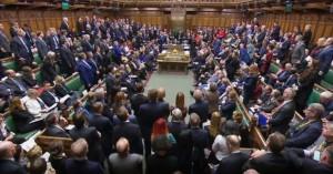 Μ.Βρετανία: Πέρασε η τροπολογία που καθυστερεί την έγκριση της συμφωνίας για το Brexit