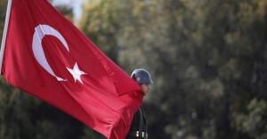 Τουρκία:Συνέλαβαν εργαζόμενους στο προξενείο γιατί κοροΐδεψαν νερό από τη Μέκκα