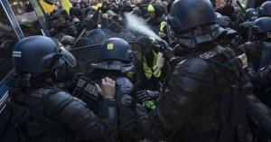 Ένας χρόνος Κίτρινα Γιλέκα: Πάνω από 120 συλλήψεις για τα επεισόδια