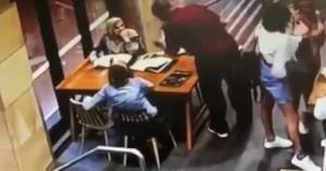 Άνδρας γρονθοκόπησε άγρια έγκυο με μαντίλα μέσα σε καφετέρια