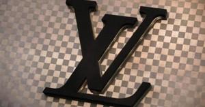 Louis Vuitton: Θρήνος για τον εμβληματικό οίκο μόδας