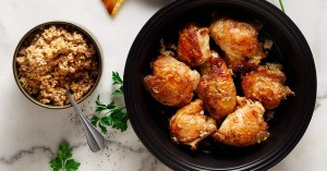 Κοτόπουλο με κάρι, γιαούρτι και δυόσμο