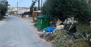 Αυτοσχέδιες χωματερές στην Χρυσοπηγή και στα Λιβάδεια - Σε απόγνωση οι κάτοικοι (φωτο)