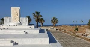 Έκλεψαν πλάκες από το μνημείο των 110 Μαρτύρων στο Ρέθυμνο (φωτο)