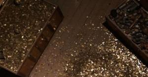 Κέρδισε το λαχείο και μετά ανακάλυψε δοχείο με 2.500 νομίσματα αντίκες