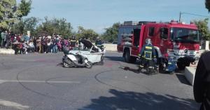 «Απεγκλωβισμός τραυματία»  τροχαίου στο ΕΠΑΛ  Ελ. Βενιζέλου (φωτο)