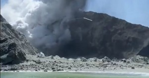 Έκρηξη ηφαιστείου στη Ν.Ζηλανδία: Τουλάχιστον 25 οι νεκροί - Αγνοήθηκαν οι προειδοποιήσεις