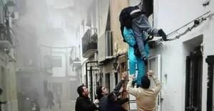 Ισπανία: Ήρωας μετανάστης έσωσε με αυτοθυσία ανάπηρο από φλεγόμενο κτίριο