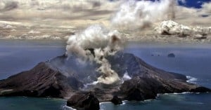 Νέα Ζηλανδία: Έκρηξη στο ηφαίστειο Ουακατάνε - Νεκρός και τραυματίες