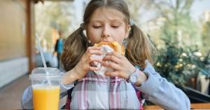 Έρευνα: Η μετάβαση από το σχολείο στην ενήλικη ζωή επηρεάζει τις συνήθειες και το βάρος