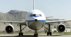 Αεροπλάνο ναύλωσε ο δήμαρχος Σπάτων για να φέρει πίσω 75 μαθητές από την Ιταλία
