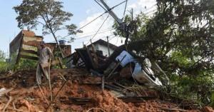 Η Βραζιλία θρηνεί 52 άτομα από τις κατολισθήσεις